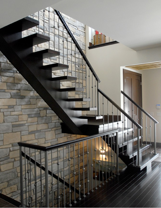 photo of a monostringer stair